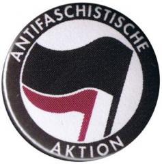 """Zum 50mm Magnet-Button """"Antifaschistische Aktion (schwarz/lila)"""" für 3,00 € gehen."""