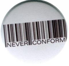 """Zum 50mm Magnet-Button """"Barcode - Never conform"""" für 3,00 € gehen."""
