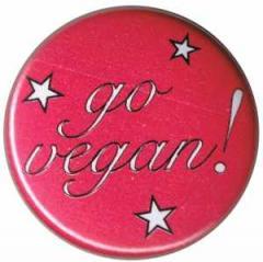 """Zum 50mm Magnet-Button """"Go Vegan! pink stars"""" für 2,92 € gehen."""