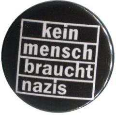 """Zum 50mm Magnet-Button """"kein mensch braucht nazis"""" für 3,00 € gehen."""