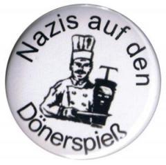"""Zum 50mm Magnet-Button """"Nazis auf den Dönerspieß"""" für 2,92 € gehen."""