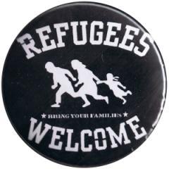 """Zum 50mm Magnet-Button """"refugees welcome (weiß)"""" für 2,92 € gehen."""