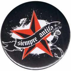 """Zum 50mm Magnet-Button """"Siempre Antifascista"""" für 3,00 € gehen."""