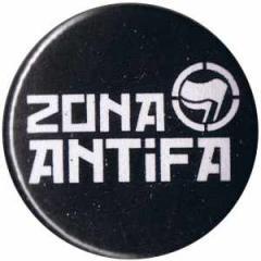 """Zum 50mm Magnet-Button """"Zona Antifa"""" für 3,00 € gehen."""