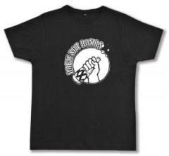 "Zum Fairtrade T-Shirt ""Brew not Bombs"" für 17,00 € gehen."