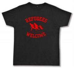 "Zum Fairtrade T-Shirt ""Refugees welcome (rot)"" für 17,00 € gehen."