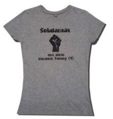 """Zum/zur  Fairtrade Girlie Shirt """"Solidarität mit dem kleinen Timmy (9)"""" für 18,00 € gehen."""