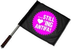 """Zum/zur  Fahne / Flagge (ca 40x35cm) """"... still loving antifa! (pink)"""" für 11,00 € gehen."""