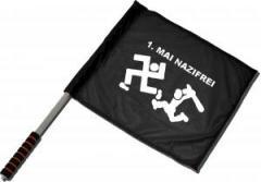 """Zum/zur  Fahne / Flagge (ca. 40x35cm) """"1. Mai Nazifrei"""" für 11,00 € gehen."""