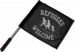 """Zum/zur  Fahne / Flagge (ca. 40x35cm) """"Refugees welcome (schwarz/grauer Druck)"""" für 11,00 € gehen."""