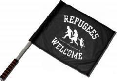 """Zum/zur  Fahne / Flagge (ca 40x35cm) """"Refugees welcome (weiß)"""" für 11,00 € gehen."""