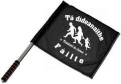 """Zum/zur  Fahne / Flagge (ca. 40x35cm) """"Tá dídeaenaithe Fáilte - Thabhairt do chlann"""" für 11,00 € gehen."""