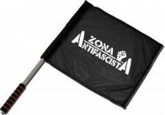 """Zum/zur  Fahne / Flagge (ca. 40x35cm) """"Zona Antifascista"""" für 11,00 € gehen."""