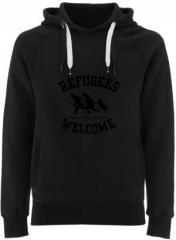 """Zum Fairtrade Pullover """"Refugees welcome (schwarz)"""" für 38,99 € gehen."""