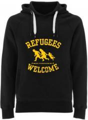 """Zum Fairtrade Pullover """"Refugees welcome"""" für 40,00 € gehen."""