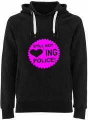 """Zum Fairtrade Pullover """"Still not loving Police"""" für 38,99 € gehen."""