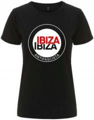 """Zum/zur  tailliertes Fairtrade T-Shirt """"Ibiza Ibiza Antifascista (Schrift)"""" für 18,00 € gehen."""