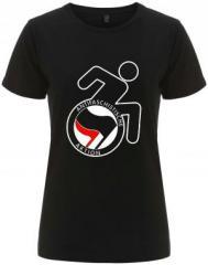 """Zum/zur  tailliertes Fairtrade T-Shirt """"RollifahrerIn Antifaschistische Aktion (schwarz/rot)"""" für 18,00 € gehen."""