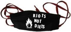 """Zur Mundmaske """"Riots not diets"""" für 6,34 € gehen."""