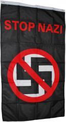 """Zur Fahne / Flagge (ca 150x100cm) """"Durchgestrichenes Hakenkreuz - Stop Nazi"""" für 13,00 € gehen."""