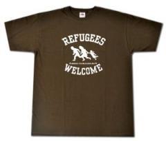 """Zum T-Shirt """"Refugees welcome (braun/weißer Druck)"""" für 13,00 € gehen."""