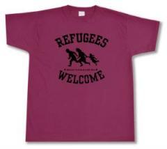 """Zum T-Shirt """"Refugees welcome (burgund, schwarzer Druck)"""" für 12,67 € gehen."""