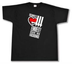 """Zum T-Shirt """"Schafft Einheit gegen den Faschismus"""" für 14,62 € gehen."""