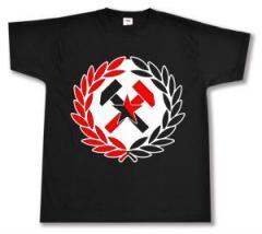 """Zum T-Shirt """"Working Class Hammer (rot/schwarz)"""" für 13,00 € gehen."""