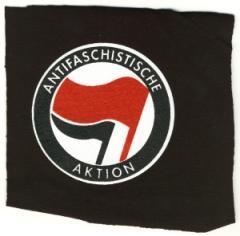 """Zum Aufnäher """"Antifaschistische Aktion (rot/schwarz)"""" für 1,50 € gehen."""
