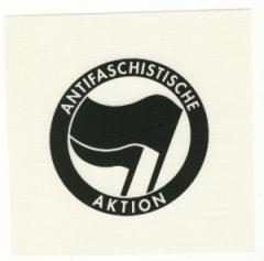 """Zum Aufnäher """"Antifaschistische Aktion (schwarz/schwarz)"""" für 1,50 € gehen."""