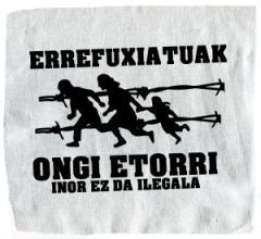 """Zum Aufnäher """"Errefuxiatuak Ongi Etorri"""" für 1,50 € gehen."""