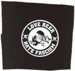 """Zum Aufnäher """"Love Beer Hate Fascism"""" für 1,46 € gehen."""