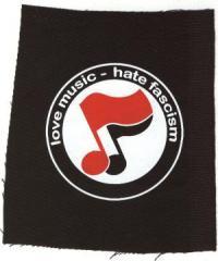 """Zum Aufnäher """"love music - hate fascism (Noten)"""" für 1,50 € gehen."""