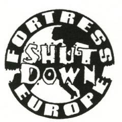 """Zum Aufnäher """"Shut down - Fortress Europe"""" für 1,46 € gehen."""