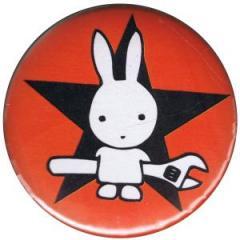 """Zum 50mm Button """"Direct Action Hase - Stern (rot)"""" für 1,20 € gehen."""
