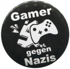 """Zum 50mm Button """"Gamer gegen Nazis"""" für 1,20 € gehen."""