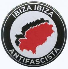 """Zum 50mm Button """"Ibiza Ibiza Antifascista"""" für 1,20 € gehen."""