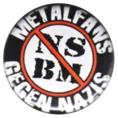 """Zum 50mm Button """"Metalfans gegen Nazis (NSBM)"""" für 1,20 € gehen."""