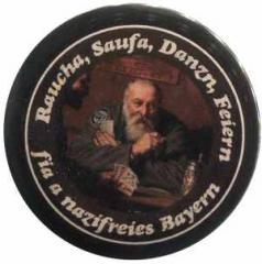 """Zum 50mm Button """"Raucha Saufa Danzn Feiern fia a nazifreies Bayern (Kartenspieler)"""" für 1,40 € gehen."""