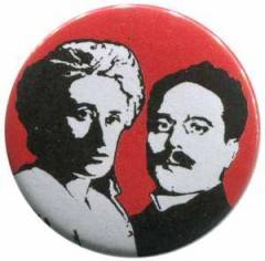 """Zum 50mm Button """"Rosa Luxemburg / Karl Liebknecht"""" für 1,20 € gehen."""