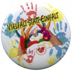 """Zum 50mm Button """"Vielfalt statt Einfalt"""" für 1,40 € gehen."""