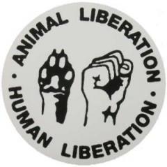 """Zum Aufkleber """"Animal Liberation - Human Liberation"""" für 0,97 € gehen."""