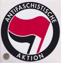 """Zum Aufkleber """"Antifaschistische Aktion (rot/schwarz, 21cm x 21cm)"""" für 3,00 € gehen."""