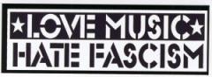 """Zum Aufkleber """"Love Music Hate Fascism"""" für 1,00 € gehen."""
