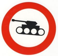 """Zum Aufkleber """"Panzer verboten"""" für 1,00 € gehen."""
