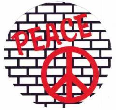 """Zum Aufkleber """"Peacezeichen auf einer Mauer"""" für 1,00 € gehen."""