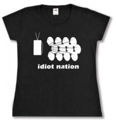 """Zum tailliertes T-Shirt """"Idiot Nation"""" für 13,65 € gehen."""