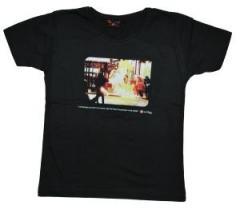 """Zum tailliertes T-Shirt """"Insurrection"""" für 15,11 € gehen."""