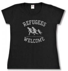 """Zum tailliertes T-Shirt """"Refugees welcome (schwarz/grauer Druck)"""" für 14,00 € gehen."""