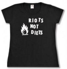 """Zum tailliertes T-Shirt """"Riots not diets"""" für 14,00 € gehen."""